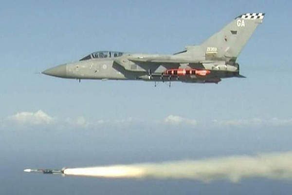 Dana Gas selected Adyard Abu Dhabi for the fabrication of the new offshore platform in November 2013.