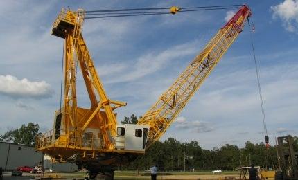 Lattice boom marine crane